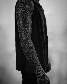 blackout tattoo ideas © tattoo studio The Circle London 💕💕💕💕 Black Sleeve Tattoo, Black Tattoo Cover Up, Cover Tattoo, Sleeve Tattoos, Forearm Sleeve, Black Cover Up, Tattoo Girls, Girl Tattoos, Tattoos For Guys