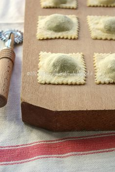 Ravioli spinaci e ricotta – step by step Italian Dishes, Italian Recipes, Ricotta Ravioli, Pasta Per Ravioli, Crackers, Best Pasta Recipes, Slow Food, Special Recipes, Macaron