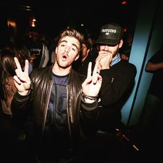 Andrew Taggart, The Chainsmokers Wallpaper, Something Just Like This, Edm Music, Hollywood Actor, Girls Dream, Cool Bands, Good Music, Hot Guys
