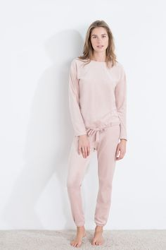 Long velour star-studded pyjama | Sleepwear | Women'secret
