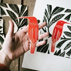 Hummingbird linocut carved plate could do this with huia Stamp Printing, Printing On Fabric, Screen Printing, Stencil, Lino Art, Impression Textile, Linoleum Block Printing, Stamp Carving, Handmade Stamps
