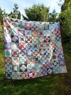 selfsewn: economy block reveal - Clare from Selfsewn's gorgeous quilt