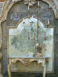 antique mirror vignette