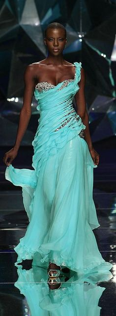 .Ms Lupita....simply stunning!  So very beautiful!