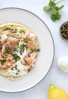 Laks med citronsauce og kapers - skøn hverdagsvenlig opskrift Fish Recipes, Pasta Recipes, Polenta, Pasta Dishes, Pasta Salad, Italian Recipes, Pork, Dinner, Ethnic Recipes