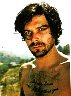 Gorgeous Simon Neil from Biffy Clyro!