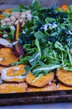Nachos without the chips? Sweet Potato Nachos, Sweet Potato Kale, Healthy Foods, Healthy Eating, Healthy Recipes, Roasted Vegetables, Veggies, Dinner Ideas, Dinner Recipes