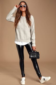 Rock out to all your favorite songs in the Rock Music Black Vegan Leather Leggings! Stretchy vegan leather leggings have a high-waisted fit and skinny pant legs, making them perfect for pairing with band tees, or a cozy sweater. Outfits Leggins, Leggings Outfit Winter, Leather Leggings Outfit, Outfits With Leather Pants, Black Leather Pants, Leather Skirts, Skinny Pants Outfits, Leather Jeggings, Spanx Faux Leather Leggings