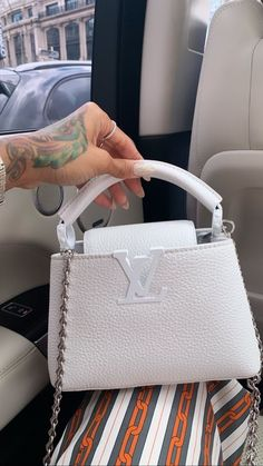 Louis Vuitton Monogram Empreinte Leather Pochette Metis Handbag Article: Made in France – The Fashion Mart Luxury Purses, Luxury Bags, Luxury Handbags, Fashion Handbags, Fashion Bags, Chanel Handbags, Fashion Clothes, Fashion Fashion, Fashion Women