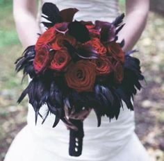 There's no bride without a bouquet! Halloween weddings are unique and I think that every touch and detail on your big day should be unusual. A traditional Halloween wedding bouquet is dark red roses or callas. Wedding Bells, Fall Wedding, Wedding Black, Dark Purple Wedding, Wedding Ceremony, Gothic Flowers, Handfasting, Alternative Wedding, Wedding Bouquets