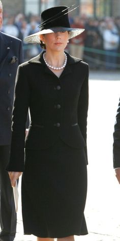 Crown Princess Mary during Empress Maria Feodorovna's reburial: New Susanne Juul hat - September 2006 Princesa Mary, Princesa Real, Crown Princess Mary, Prince And Princess, Funeral Attire, Mary Donaldson, Princess Marie Of Denmark, Cute Outfits, Dress Outfits