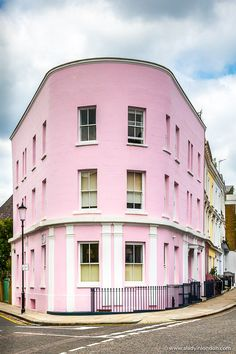 3a73fd671f71 A pink building in London's Holland Park. Click through for more pictures  on the A