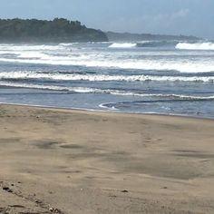 Enjoying a day in #paradise  #costarica #heaven #surfing #playa #avellana #beach #niceeeee #stoked #coastal #coastalliving #puravida