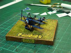 """Oliver Bizer´s Fokker Umgestaltet als """"homage an Oliver"""" Fokker Dr1, Paper Planes, Old Paper, Triangle, Paper Crafts, Paper, Model, Paper Craft Work, Papercraft"""