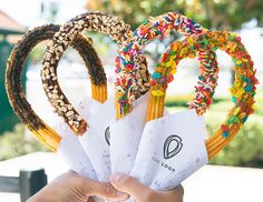The Loop Handcrafted Churros The Loop opened a few months ago in Orange County, offering a unique an Peanut Butter Bread, Peanut Butter Cookie Recipe, Churreria Ideas, The Loop Churros, Orange County, Ice Cream Taco, Chocolate Sweets, Pink Chocolate, Puff Pastry Recipes