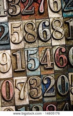 http://www.bigstockphoto.com/fr/image-14805176/stock-photo-a-random-selection-of-vintage-and-colorful-letterpress-numbers-as-a-background