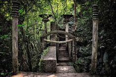 Las_Pozas,_Xilitla,_Mexico_(7159094549) http://www.earthporm.com/20-lesser-known-travel-destinations-visit-die/