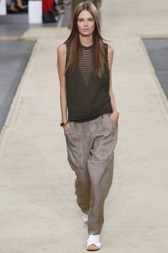 Loose casual by Chloé | Spring 2014 Ready-to-Wear Collection | Style.com