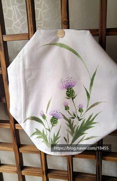 Painted Bags, Painted Clothes, Fabric Painting, Fabric Art, Fabric Paint Designs, Hand Painted Dress, One Stroke Painting, Japanese Painting, Flower Tattoo Designs