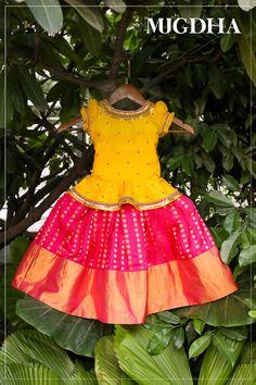 Mugdha Art Studio. Banjarahills. Hyderabad. Whatsapp-9010906544/8142029190 PH : 040-65550855/9949047889. Girls Frock Design, Kids Frocks Design, Baby Frocks Designs, Baby Dress Design, Baby Design, Baby Girl Party Dresses, Dresses Kids Girl, Kids Outfits, Dress Party