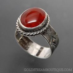 NATIVE AMERICAN BERNYSE CHAVEZ NAVAJO STERLING SILVER CARNELIAN STAMP WORK RING - SIZE 6.5 – Gold Stream Boutique