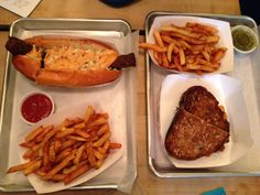 Saus Boston- delicious restaurant that specializes in sauces!