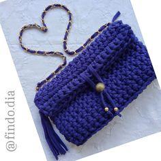 Inspirada pelo modelo Chanel surgiu esta criação. Que tal? Bolsa de mão / handbag
