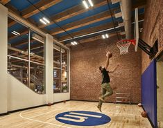 Artisanal Co-Working Office Spaces : coworking office space Home Basketball Court, Sports Court, Basketball Room, Home Gym Design, House Design, Office Games, Home Theater Rooms, Game Room Design, Co Working