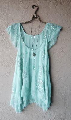 Image of Mint Free people Tritans Treasure Beaded silk tunic Fashion Moda, Boho Fashion, Fashion Beauty, Boho Outfits, Cute Outfits, Gypsy Style, My Style, Paisley, Silk Tunic