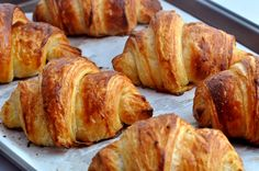A croissant is a buttery, flaky, viennoiserie-pastry named for its well-known crescent shape. Croissants and other viennoiserie are made of a layered yeast-leavened dough. The dough is layered with… French Croissant, French Toast, Dough Ingredients, Food Menu, Food And Drink, Cooking Recipes, Favorite Recipes, Baking, Eat