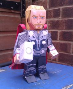 My Paper Heroes: Marvels Avengers: Thor (with and sans helmet)