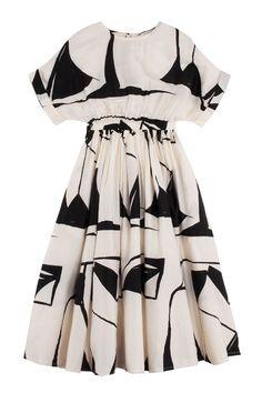 Black Crane - Printed Pleated Dress   BONA DRAG