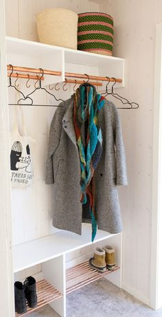 Top 10 Best DIY Ideas for Well Organized Mudroom