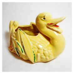 McCoy Planter Pottery Yellow Duck Vintage Planter Novelty Animal... ❤ liked on Polyvore featuring home, home decor, animal planters, yellow planter, yellow home accessories, easter home decor and vintage figurines