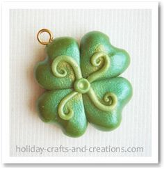Polymer Clay Shamrocks. Really cute & timely (Saint Patrick's Day is coming up!)