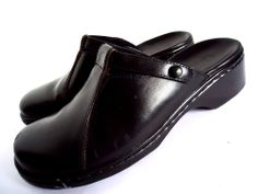 CLARKS Women's Black Leather Mary Jane Slip On Clogs Mules Sz 6.5 Shoes Slides