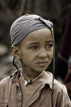Africa, Portrait of a Tigray Child, Ethiopia. © Tenbult on Deviant Art Precious Children, Beautiful Children, Beautiful People, Kids Around The World, People Around The World, Interesting Faces, Deviantart, World Cultures, Little People