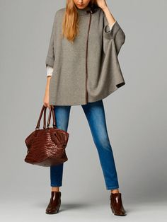 The latest fashion trends at the Massimo Dutti SUMMER SALE 2017 collection online. Exclusive clothes, accessories and shoes on sale for women and men. Cardigans For Women, Coats For Women, Jackets For Women, Clothes For Women, Classic Outfits, Casual Outfits, Casual Chic, Look Fashion, Fashion Outfits