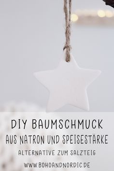 DIY Christmas tree decorations made from cornstarch and baking soda. The nice alternative to salt dough. Make tree decorations yourself. DIY project for Christmas. DIY idea for Christmas tree decorations. Diy Hanging Shelves, Floating Shelves Diy, Diy Christmas Tree, Christmas Tree Decorations, Christmas Baking, Handmade Christmas, Diy 2019, Navidad Diy, Diy Décoration