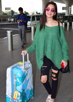 Kriti Kharbanda opted for an asymmetrical green sweater top, paired with distressed black pants. Indian Actress Gallery, Indian Film Actress, Cute Casual Outfits, Swag Outfits, Indian Celebrities, Bollywood Celebrities, New Fashion, Girl Fashion, Fashion Outfits