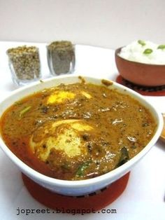 Boiled Egg Masala Ingredients :For Gravy boiled tbsp ginger-garlic pasteasofoetida - a pinchsalt to tsp mustard curry leav veg recipes Veg Recipes, Curry Recipes, Vegetarian Recipes, Chicken Recipes, Snack Recipes, Cooking Recipes, Recipies, Capsicum Recipes, Vegetarian Cooking