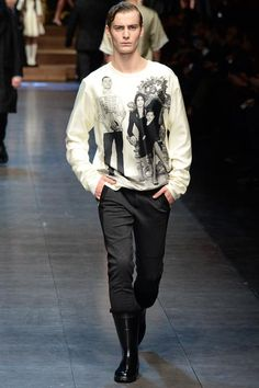http://www.style.com/slideshows/fashion-shows/fall-2015-menswear/dolce-gabbana/collection/6
