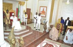 These are some images from Ekiti State Governor Ayodele Fayose courtesy visit to His Royal Majesty Omo N'Oba N'Edo Uku Akpolokpolo Oba Ewuare II Ogidigan Oba of Benin Kingdom at the Monarch's palace on Thursday 6th July 2017. The Governor is expected to deliver a lecture at Ben Idahosa University Benin as part of activities in celebration of the institution's 13th Convocation.  http://ift.tt/2sU2gew news Politics