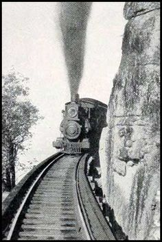 A narrow-gauge railroad hugs the cliffs on the west side of the mountain in Chattanooga, TN, ca. 1898.