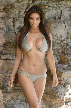Kim Kardashian Bikini Pose Photoshoot In Miami