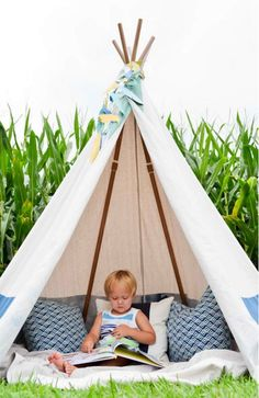 No Sew Teepee | 12 Fun DIY Teepee Ideas for Kids , see more at: http://diyready.com/fun-and-exciting-diy-teepee-ideas-for-kids/