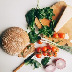 5 Ingredient Vegan Caesar Salad The Messy Vegan Breakfast Food List, Breakfast Recipes, Kraft Recipes, Vegan Recipes, Zero Calorie Foods, Vegan Parmesan, Dinner Dishes, Healthy Chicken, Food Pictures