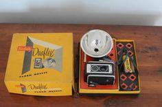 Vintage Kodak Duaflex II Camera - Original Packaging  http://www.ctonlineauctions.com/detail.asp?id=240360