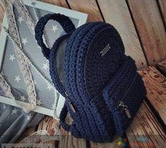 Crochet backpack pattern inspiration / crochet bag from t-shir yarn - Salvabrani - Knitting Crochet ideas Häkeln Sie Rucksackmuster Inspiration / Häkeltasche aus T-Shir-Garn - Salvabrani , Knitting Patterns Bag I share the process, so to speak) Shopper Crochet Backpack Pattern, Crochet Purse Patterns, Bag Pattern Free, Crochet Clutch, Crochet Shoes, Crochet Handbags, Crochet Purses, Crochet Clothes, Crochet Bags