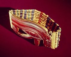 Grand Egyptian Museum 		 		— Gold bracelet from the tomb of Shoshenq II (r....
